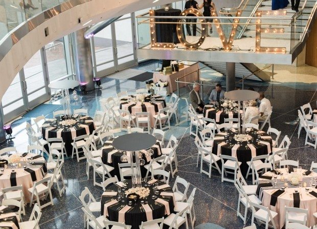 Cable center wedding